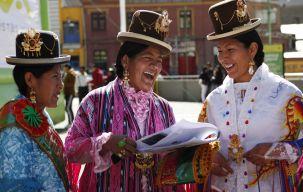 cholitas in een schoonheidswedstrijd.