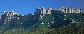 Montserrat = gezaagde berg